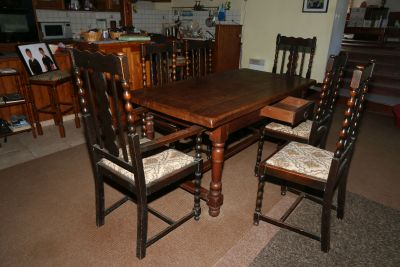 Dining suite drawer open 400